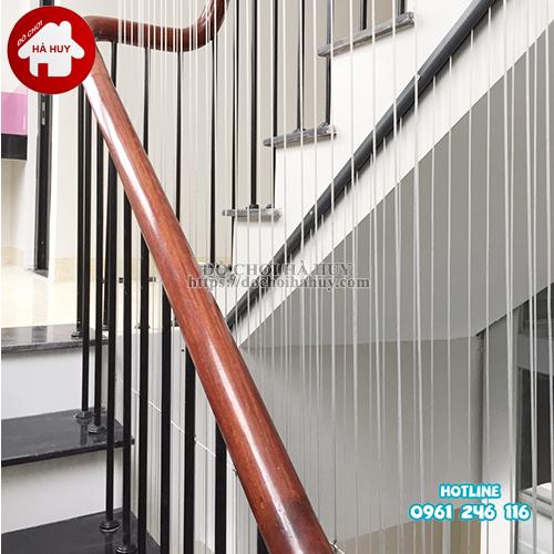 Lưới chắn cầu thang có thực sự an toàn?