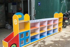 Sản xuất bàn giao tủ kệ mầm non hình ô tô cho trường mầm non