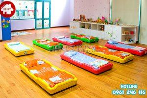 Hướng dẫn chọn mua giường ngủ mầm non phù hợp cho các trường mầm non