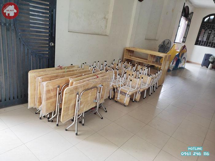 Lắp đặt bàn ghế và đồ dùng gỗ cho trường mầm non công giáo Hàng Bột